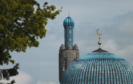Соборная мечеть Петербурга не вмещает всех желающих, говорит представитель муфтията