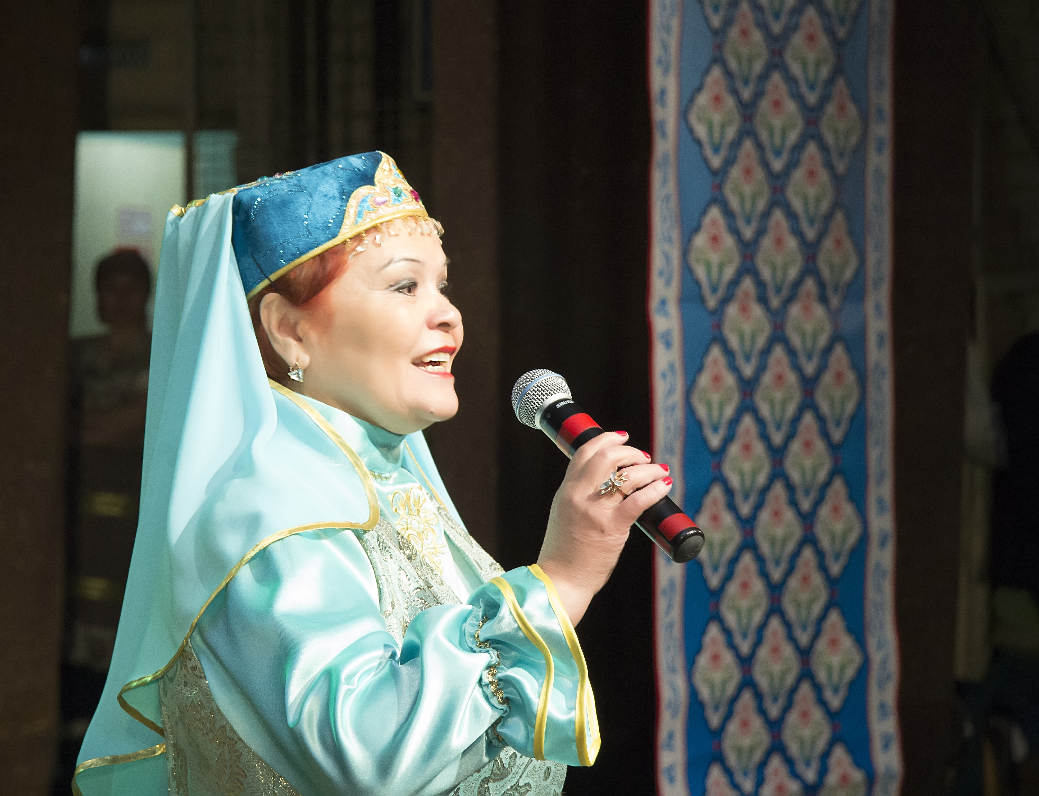 Сибирские татары споют и помогут детям