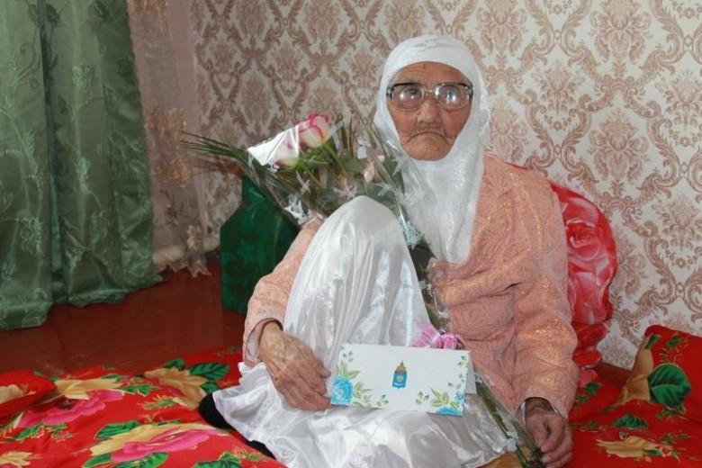 Мусульманка из Астрахани попала в Книгу рекордов России