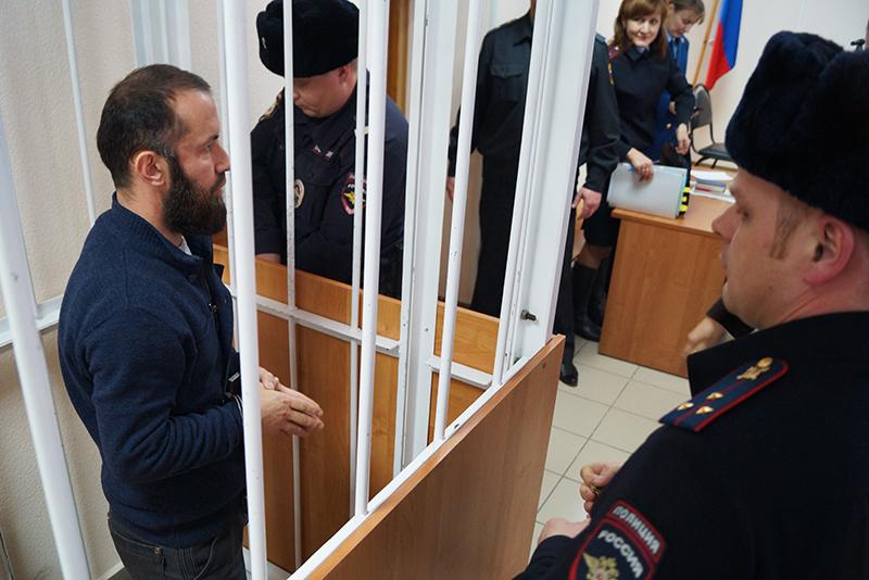 В Белгороде приговорили имама за пакет с оружием
