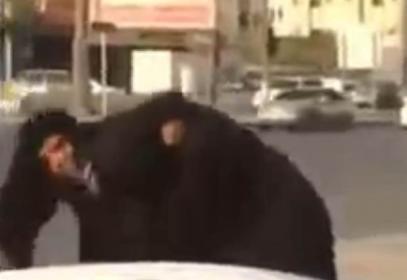 Саудийки зверски подрались — из-за чего? (ВИДЕО)