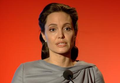 Анджелина Джоли решительно поддержала мусульман (ВИДЕО)