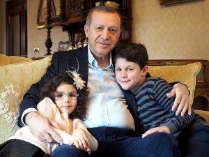 Эрдоган со своими внуками