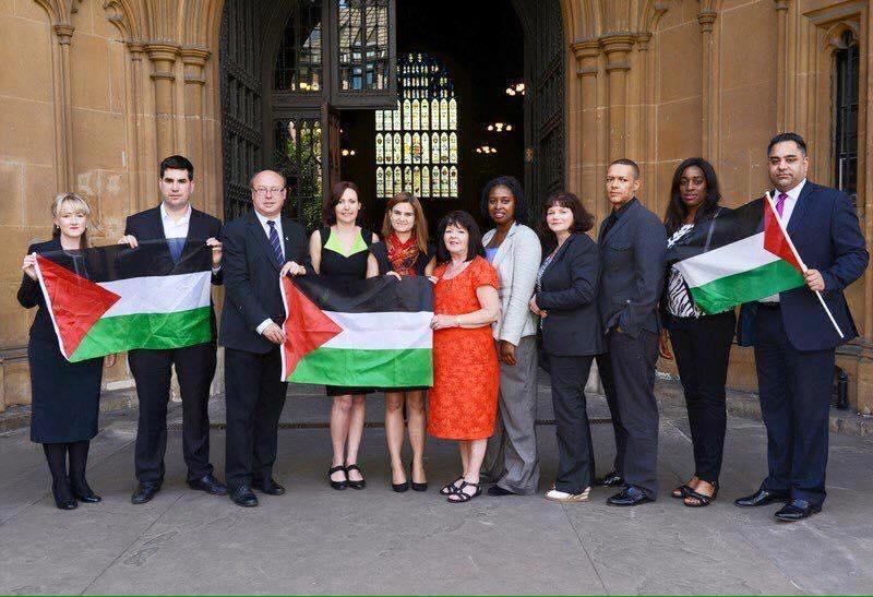 Убитая британский депутат выступала в поддержку палестинцев