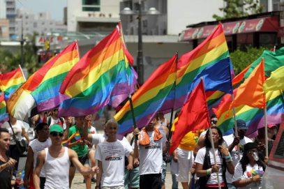 Американская армия приобретает голубой и транссексуальный оттенок