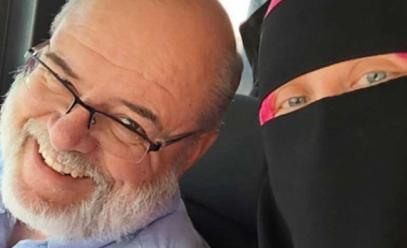 Исламофоб с треском вылетел из автобуса, пристав к мусульманке