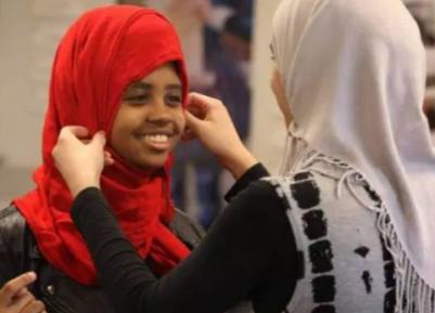 Школьницы-мусульманки одержали громкую победу в суде — какую?