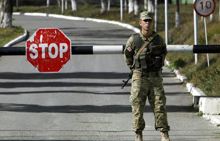 Узбекистан временно закрыл границу для соседних стран