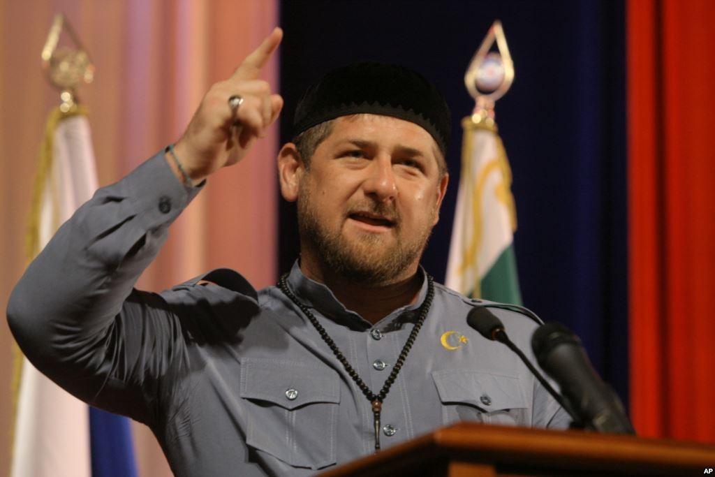 Кадыров отреагировал на увековечение в Петербурге имени его отца