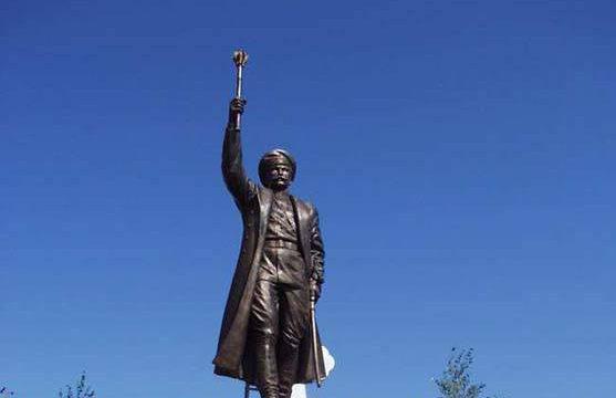 В Госдуме просят снести установленный казаками памятник гитлеровцу Краснову