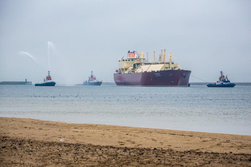 Польша начала завозить природный газ из Катара