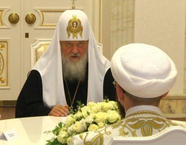 Патриарх Кирилл рассказал, в чем он может помочь мусульманам России