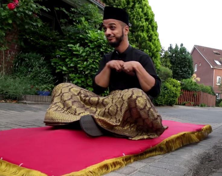 В Берлине появился добрый волшебник Рамадана (ВИДЕО)