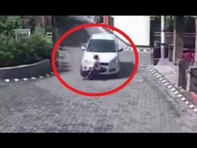 Бог спас ребенка, которого переехала колесом машина (ВИДЕО 18+)