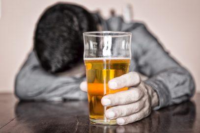 Новое исследование выявило страшное последствие употребления алкоголя