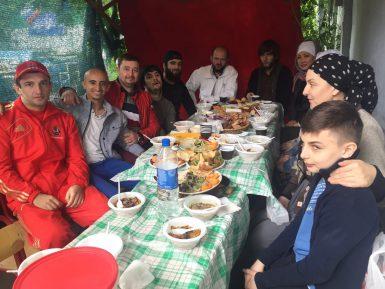 Глухие мусульмане организовали встречу для единоверцев