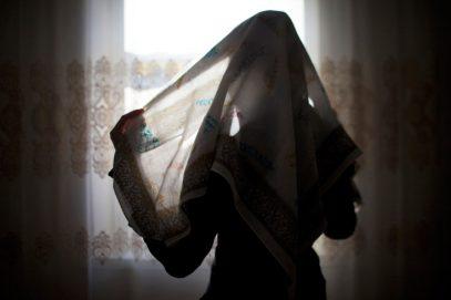 Женщина в хиджабе шокировала откровенным условием для вступления в брак (ВИДЕО)