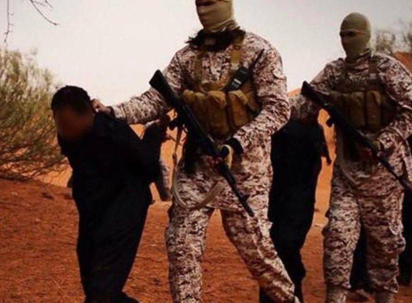 Боевики ИГИЛ живьем сварили собственных подельников задезертирство