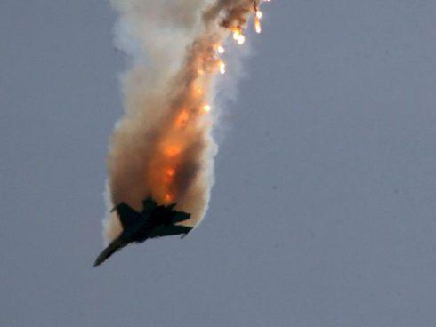 Самолет ВВС Сирии сбит предположительно боевиками