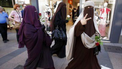 В Германии оголят ревностных мусульманок