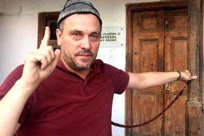 М.Шевченко в «неправильной» мечети: Я бородат, пусть ставят и меня на учет!