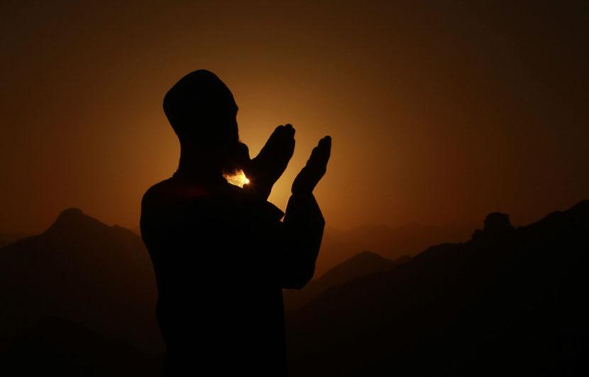 Молитву убрали из эфира