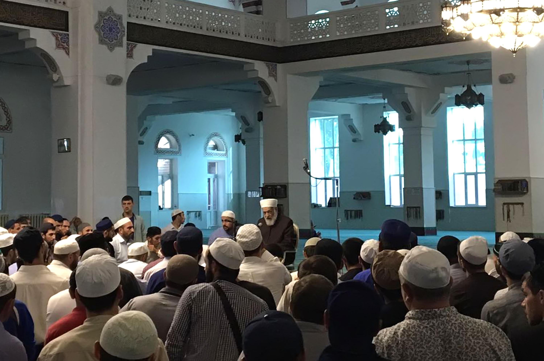 Лекция д-ра аль-Буга в мечети Махачкалы. Фото: ДУМ РД