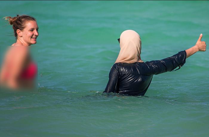 Мусульманка на пляже портит пейзаж, считают власти Канна