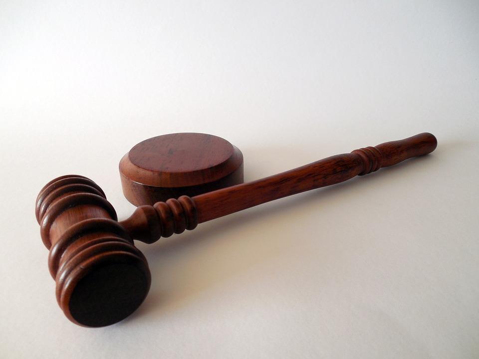 Плюсы и минусы юридических консультаций в телефонном режиме