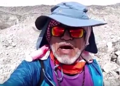 Саудовец сделал потрясающее признание жене с Эвереста (ВИДЕО)