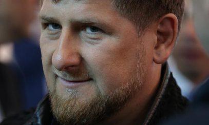 Кадыров в доспехах вдохновил раскрепощенную художницу