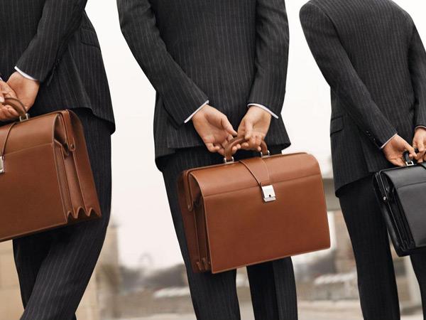 Какой лучше купить мужской портфель для работы?