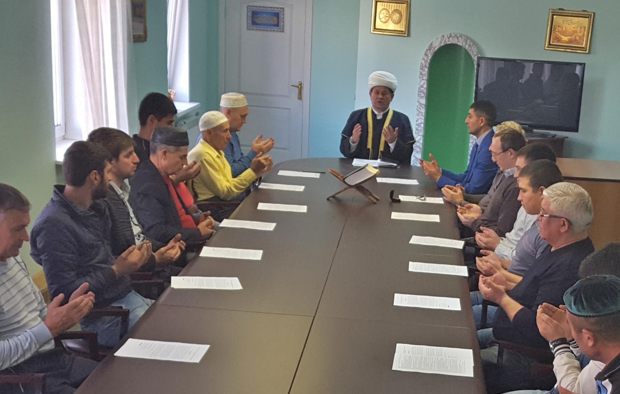 На совещании в мечети Усинска