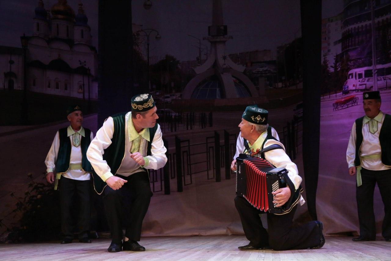 Сибирские татары станцуют у крымских