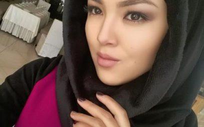 Одна из красивейших моделей надела хиджаб