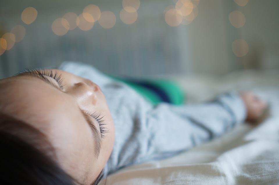 Качественное и безопасное постельное белье для новорожденных малышей