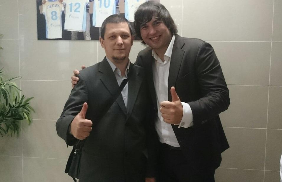 Бари Алибасов (справа)
