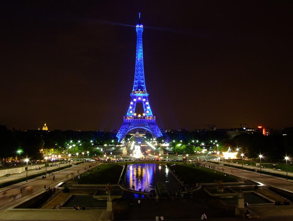 Лучшее время для поездки в Париж