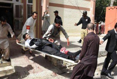 С криком «Аллаху Акбар» в Пакистане взорвали мечеть