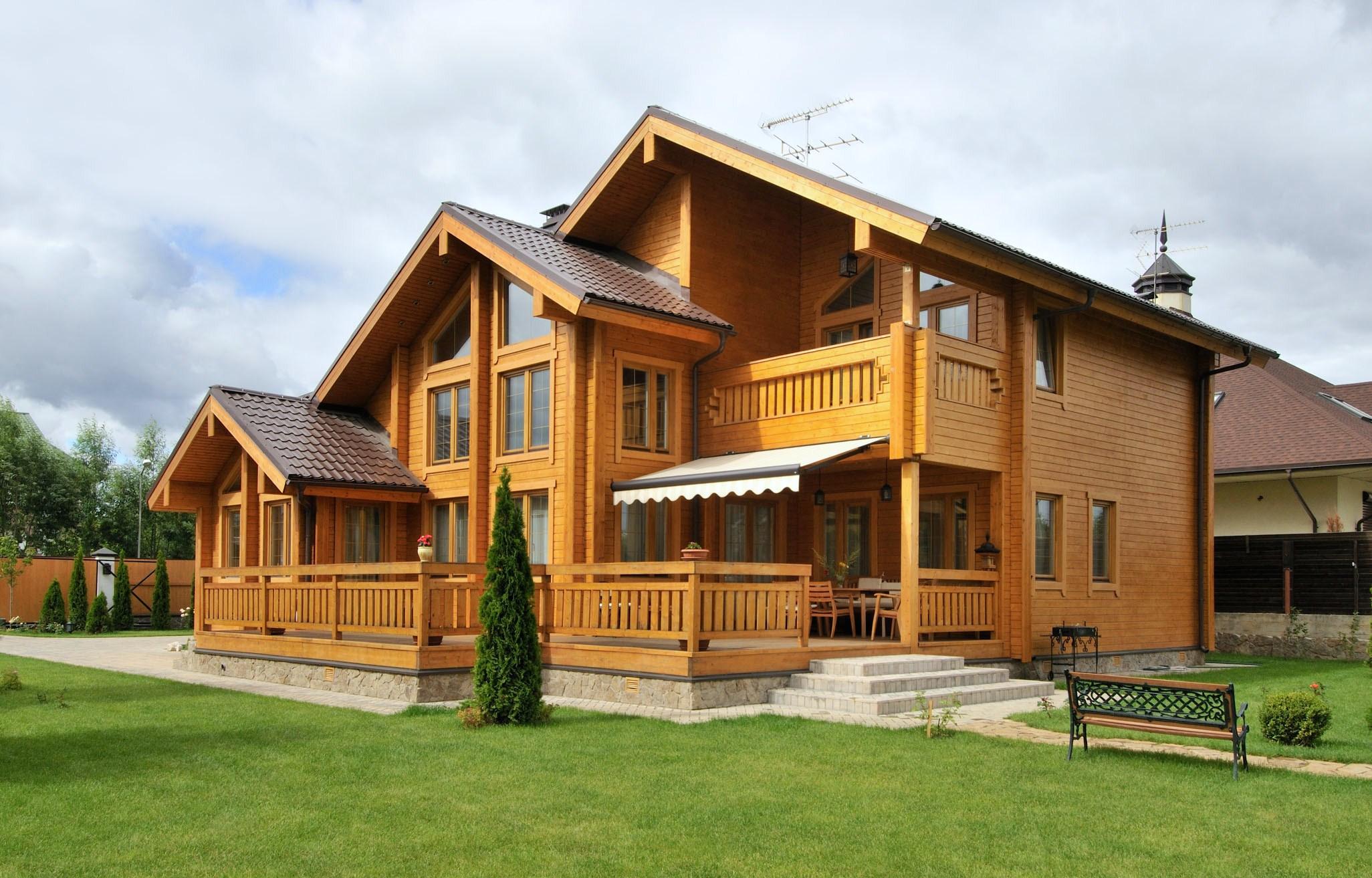 Клееный брус: идеальный материал для постройки домов