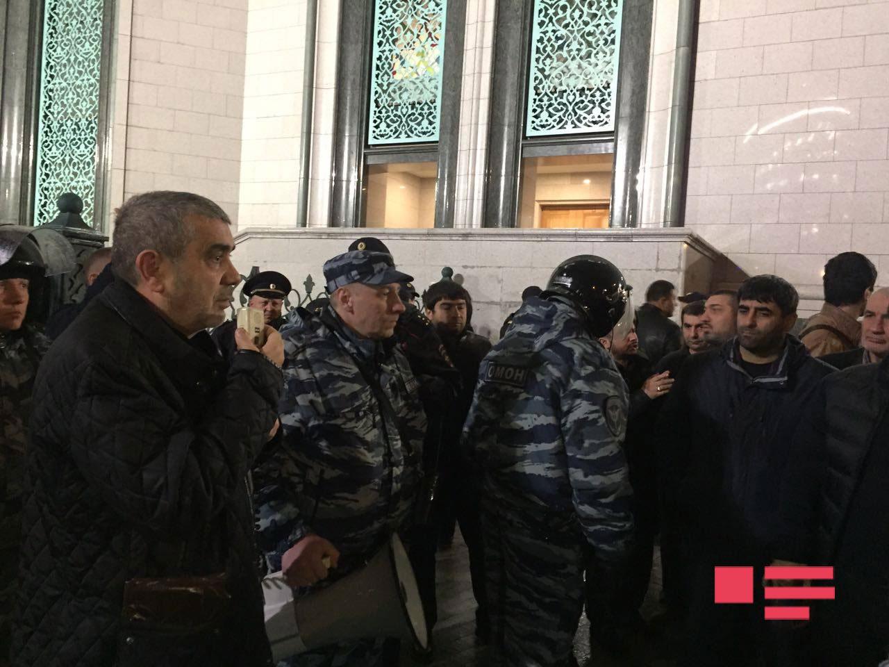 В Соборную мечеть Москвы прибыл ОМОН