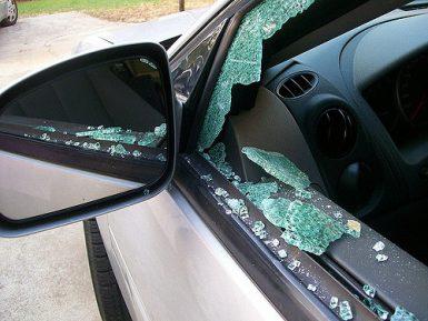 Особенности и тонкости замены стекол на автомобиле