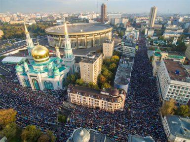 В Совете муфтиев обвинили чиновника мэрии Москвы в содействии расколу мусульман