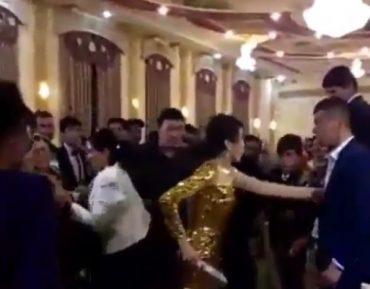 Вооруженная ножом девушка устроила переполох на свадьбе (ВИДЕО)