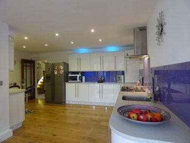 Преимущества и нюансы изготовления кухонного гарнитура на заказ