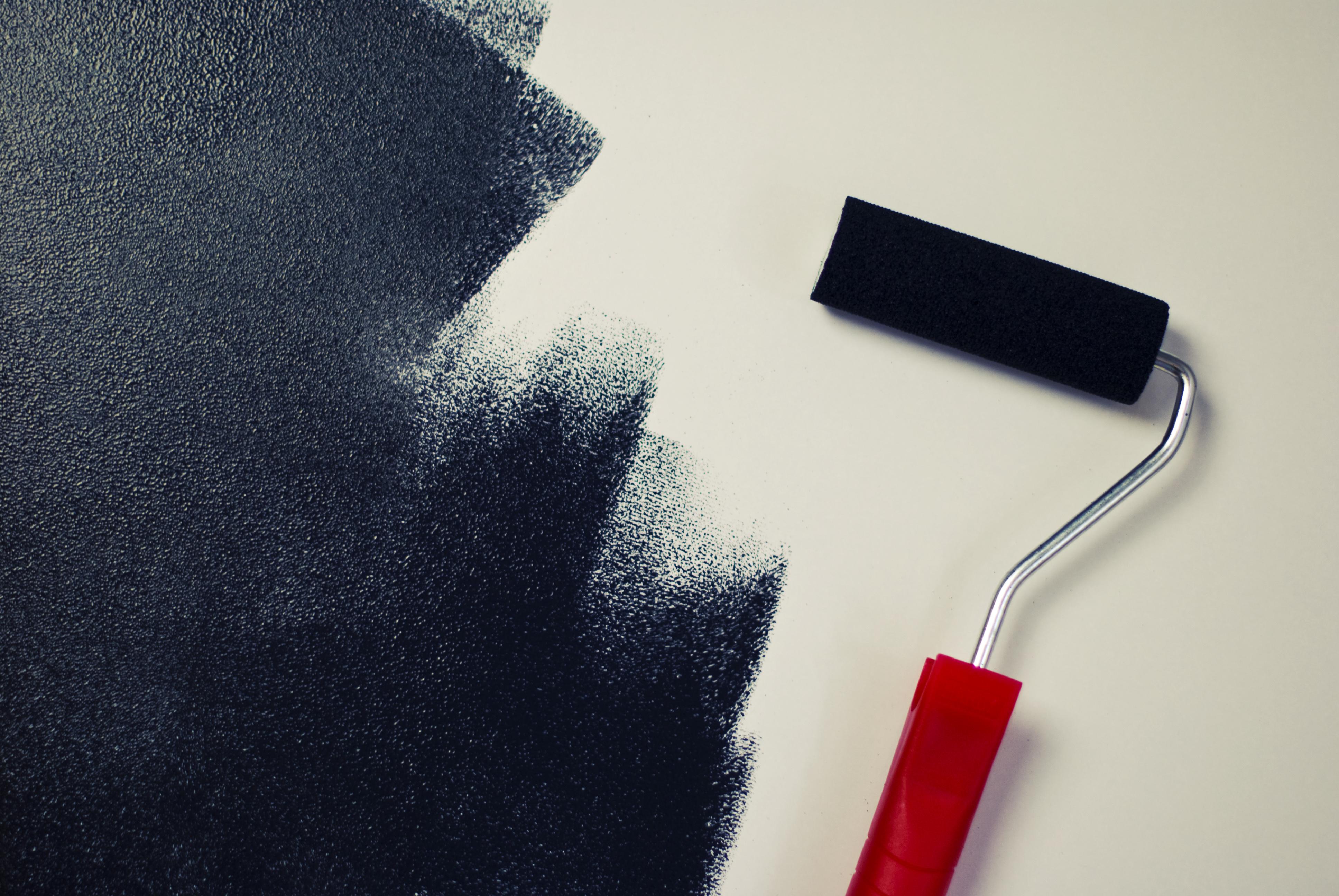 Тонкости и нюансы нанесения краски на гипсокартонные стены