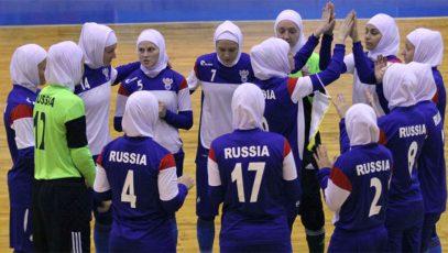 Женская сборная России вышла на поле в хиджабах (ФОТО)