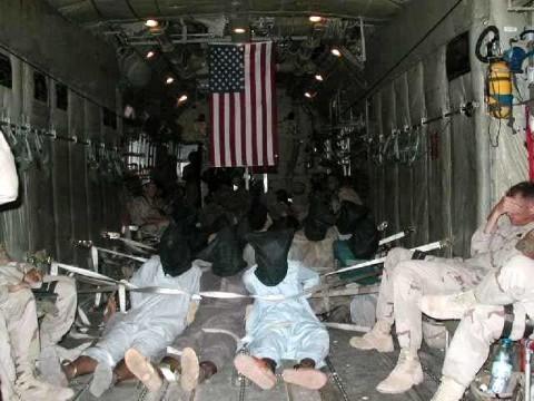 Американские военные издеваются над пленниками в Афганистане