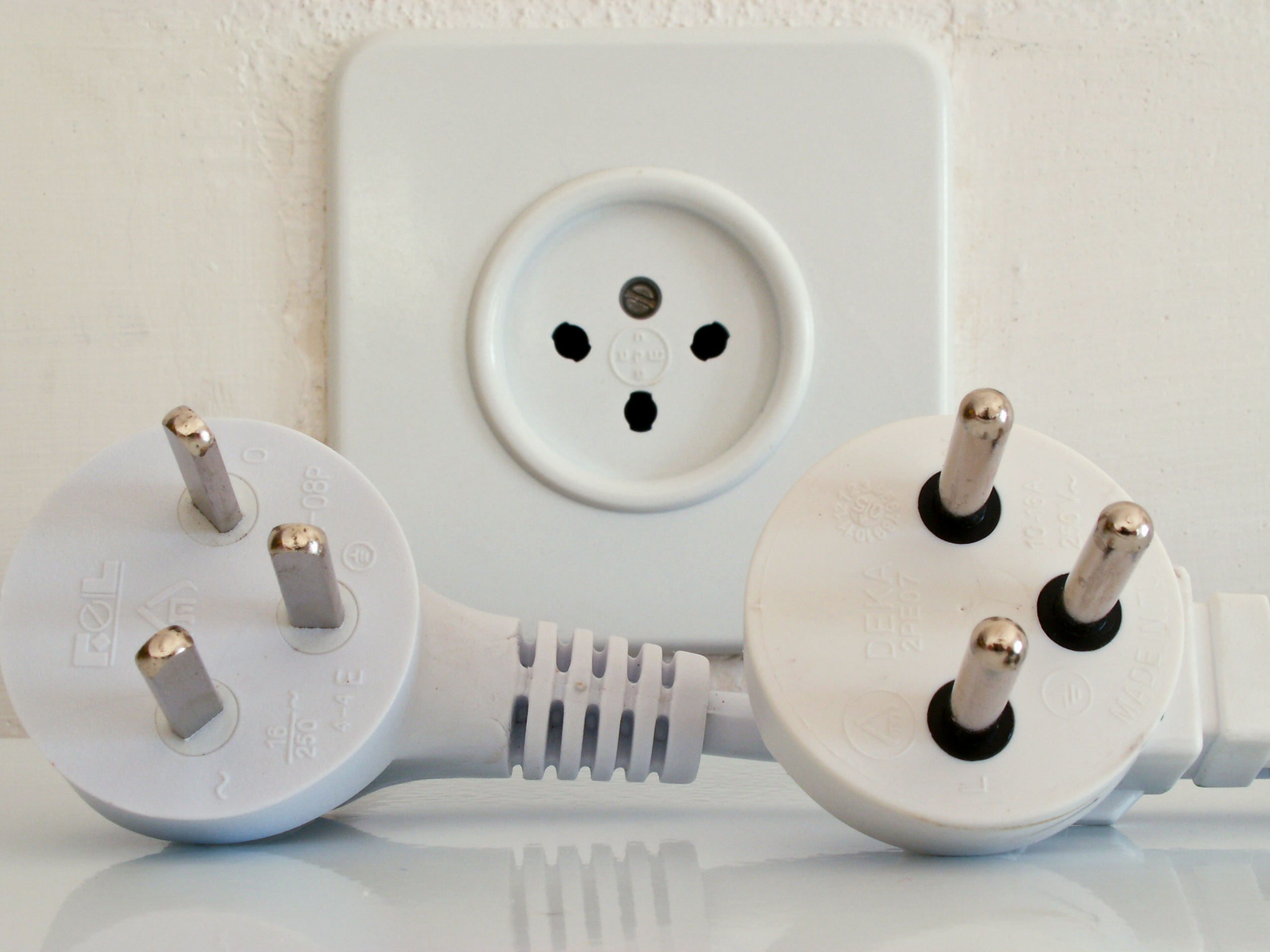 Тонкости правильного выбора розеток и выключателей