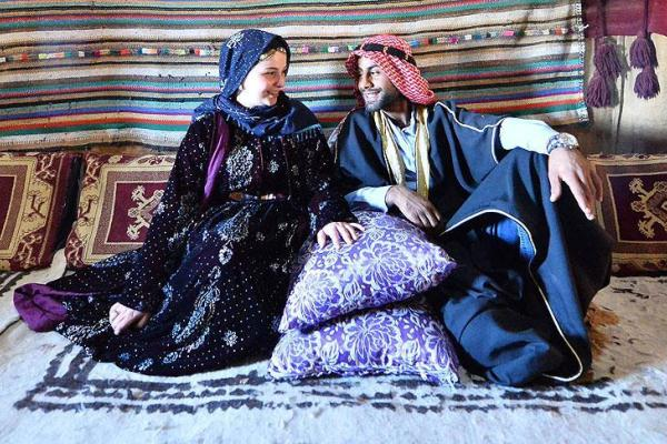 Девушка со своим турецким женихом